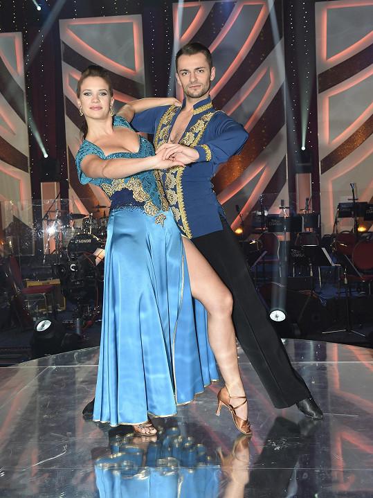 Pár tančil vášnivé paso doble.