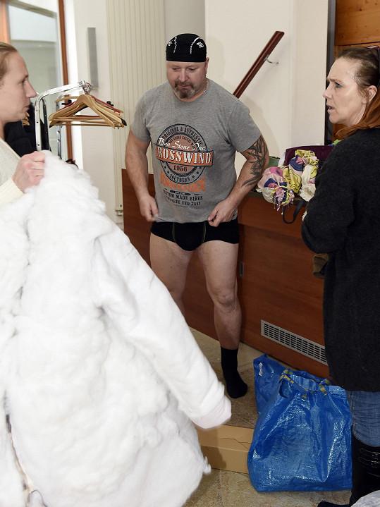 Jiří Zonyga před oblékáním do kostýmu.