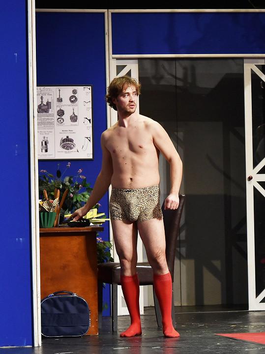 Filip Tomsa se předvedl v pořádně napěchovaných boxerkách.
