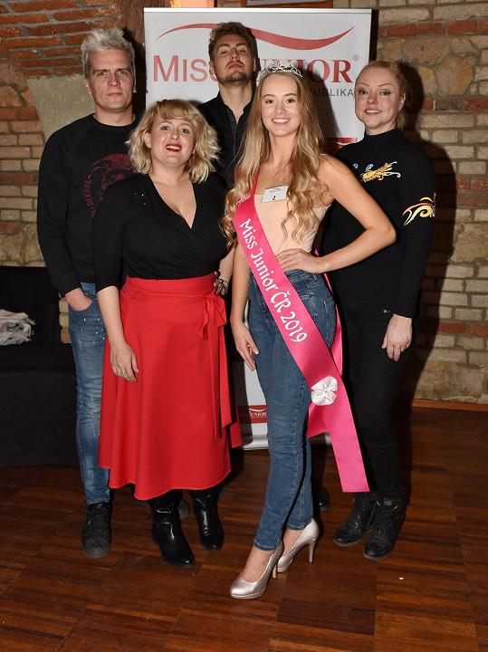 Na finále Miss Junior s porotci, mezi kterými byla i Dominika Gottová, Julián Záhorovský (vlevo) a Muž roku Vojtěch Urban.