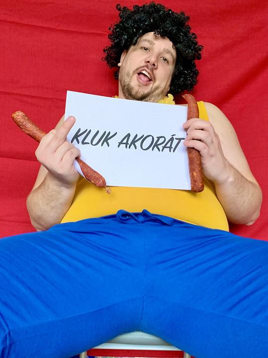 Marek Fottr alias Marra v klipu Kluk akorát