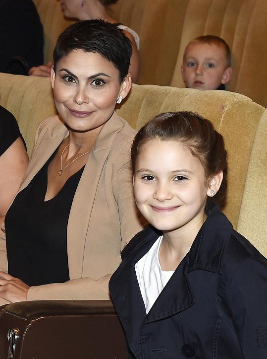 Na představení se Vlaďka byla podívat s dcerou.