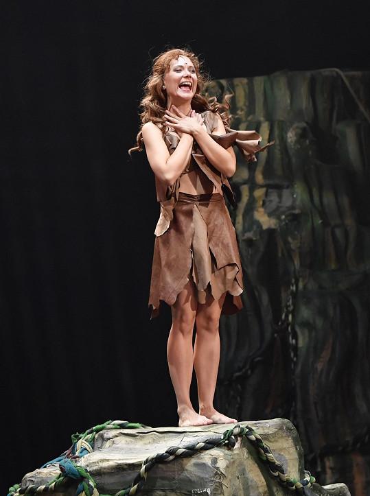 Do Divadla Hybernia se po porodu těšila.