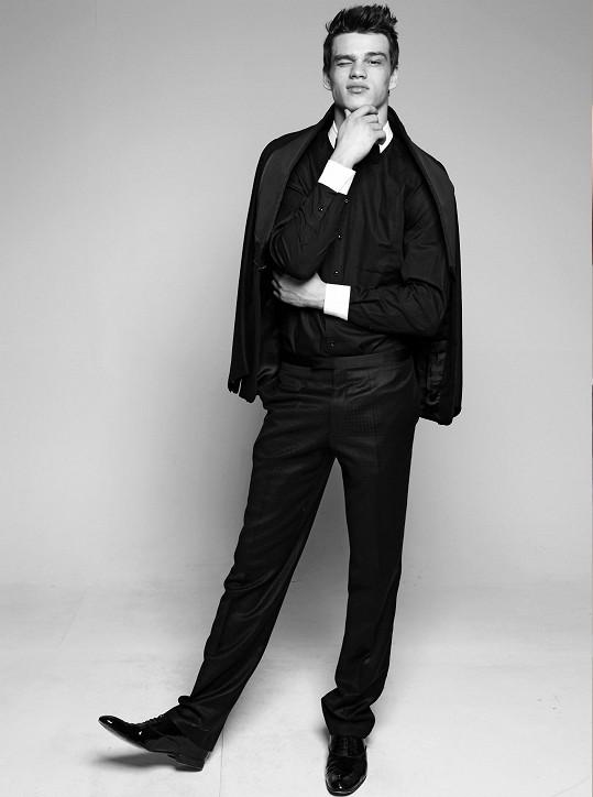 Filip Hrivňák je hvězdou módních show po světě.