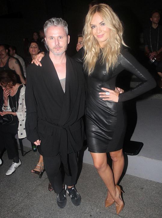 Kuchařová s generálním ředitelem Prague Fashion Weekendu Lukášem Loskotem