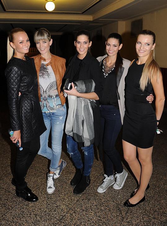 Projektu na podporu dobré věci se zúčastnily mimo jiné modelky Tereza Fajksová, Iveta Vítová, Aneta Vignerová, Lucie Smatanová a organizace se ujala Veronika Procházková.