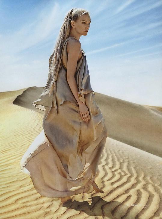 V módním editorialu luxusního časopisu