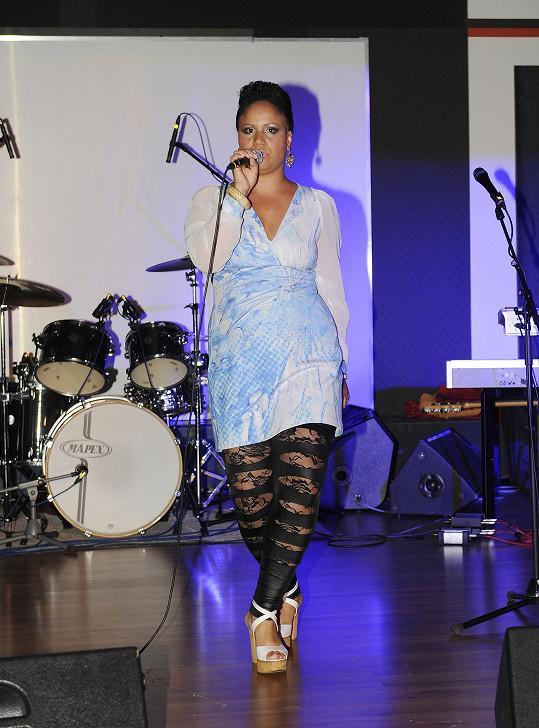 Na večírku zpívala i Madalena Joao...