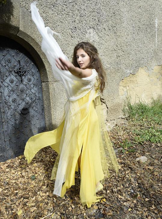 Role princezny nebo víly byla jejím snem.