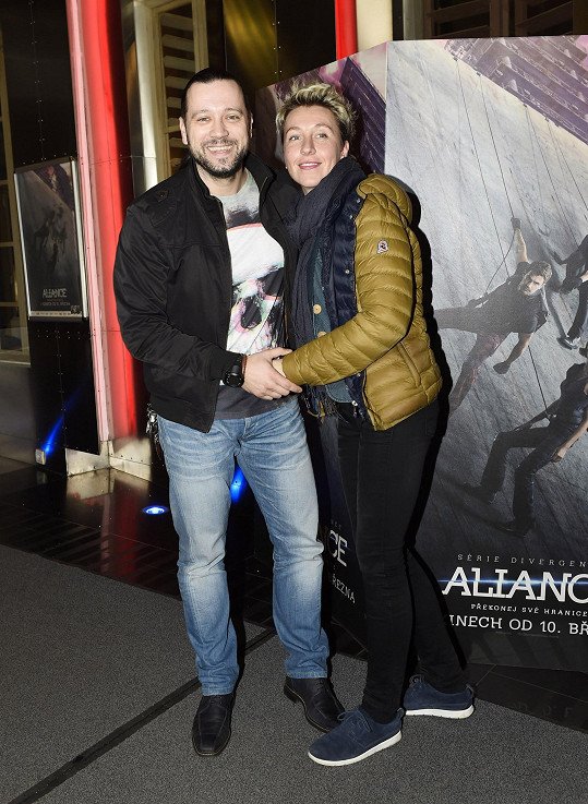 Michal Kavalčík vzal přítelkyni na premiéru snímku Série Divergence: Aliance.