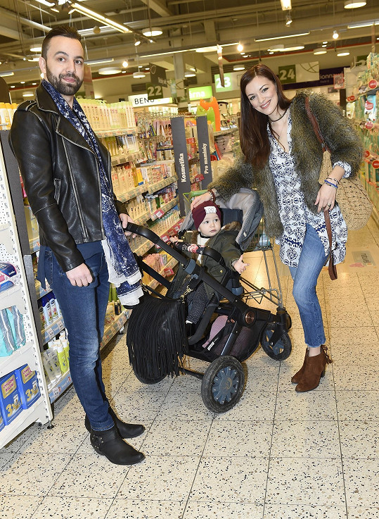 Jitka Boho společně se svým manželem a dcerou nakupovali v pražském supermarketu, aby podpořili děti v azylových domech a pomohli jim v jejich ne vždy snadném životě.