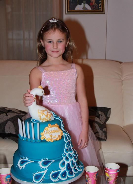 Sedmiletá Jasmínka s dortem