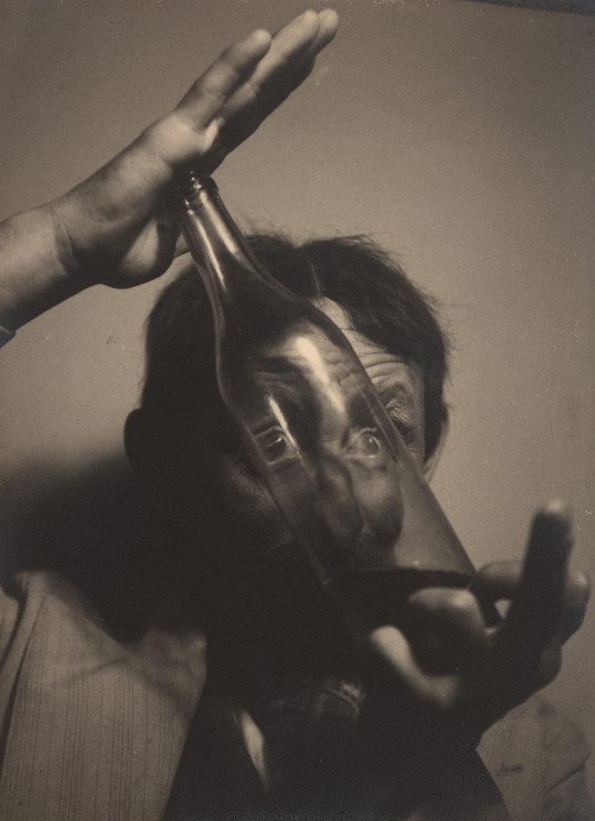 Ze hry Ulice zpívá, která původně vznikla pro jeho divadlo, byl natočen v roce 1939 stejnojmenný film. Burian ho režíroval a zahrál si hlavní roli.