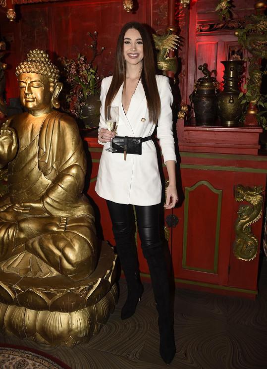 Denisa se po příletu z Tuniska jen otočila doma a vyrazila na párty Playboye.