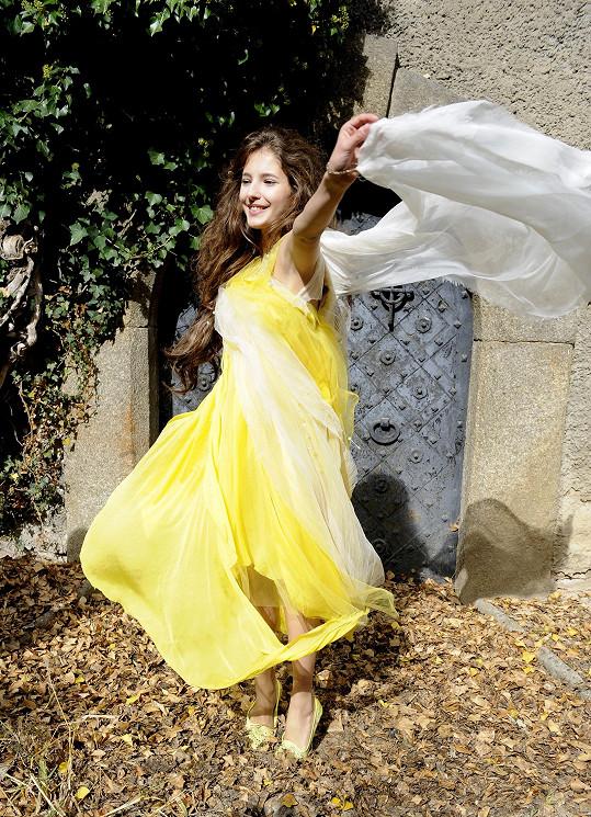 Z kostýmu, v němž mohla i tančit, byla nadšená.