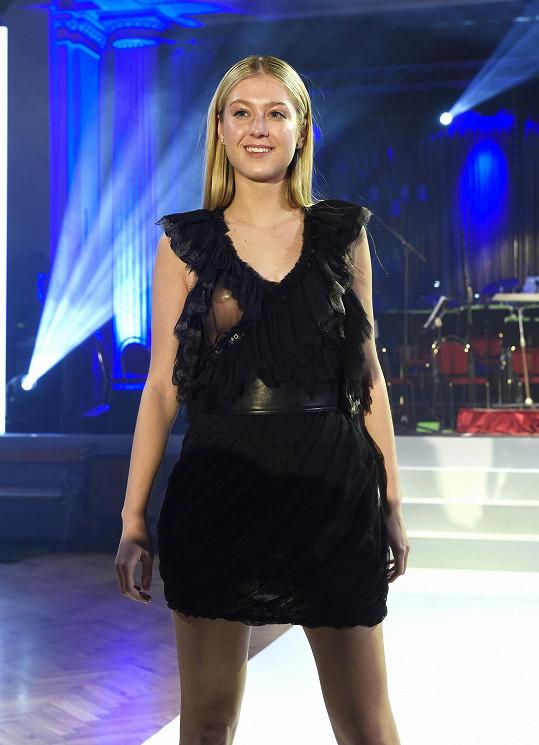 Tam si ji na módní přehlídce opět pletli s bývalou Českou Miss Jitkou Nováčkovou.