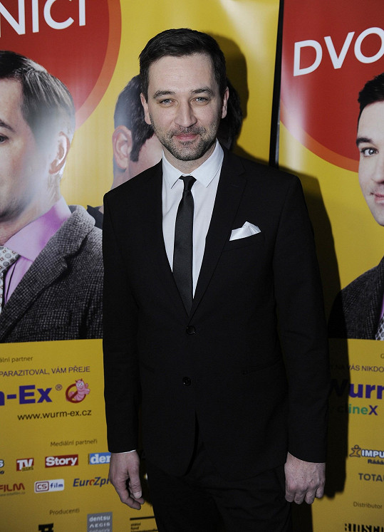 Ondřej Sokol si zahrál hlavní roli v komedii Dvojníci.