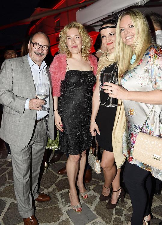S fotografem Jadranem Šetlíkem a přáteli