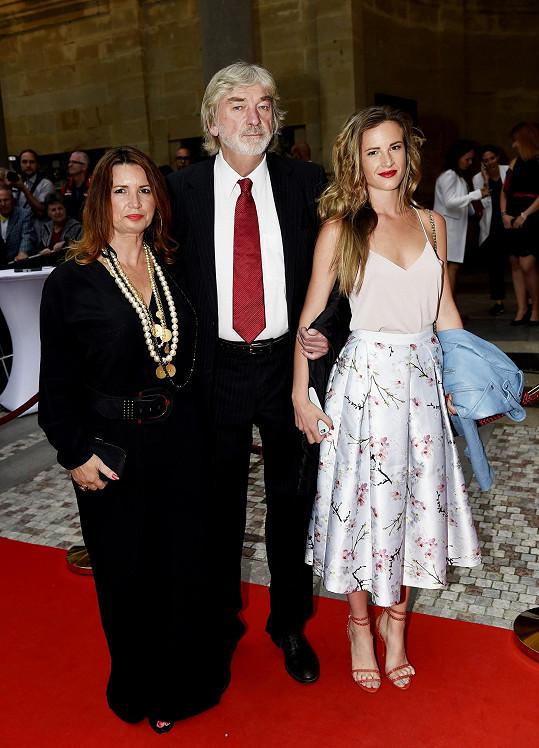 Vladimír Kratina s manželkou a dcerou