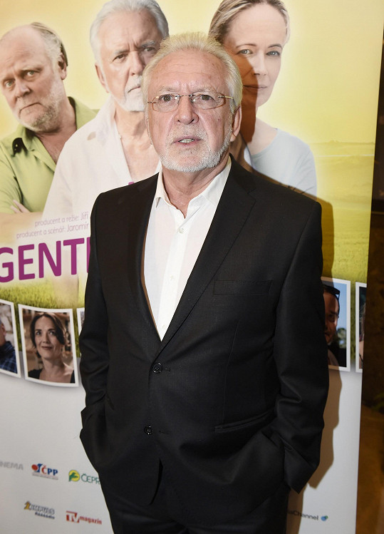 Jaromír Hanzlík na premiéře svého filmu Léto s gentlemanem