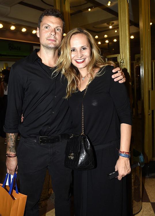 Monika Absolonová a její snoubenec Tomáš nechyběli na koncertě Hany Zagorové.