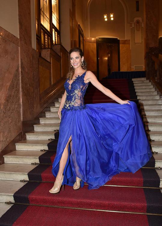 Andrea Verešová vypadá skvěle nejen v šatech...