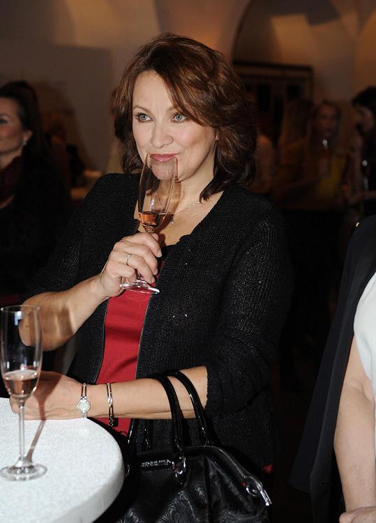 A vychutnala si i luxusní sekty a vína.