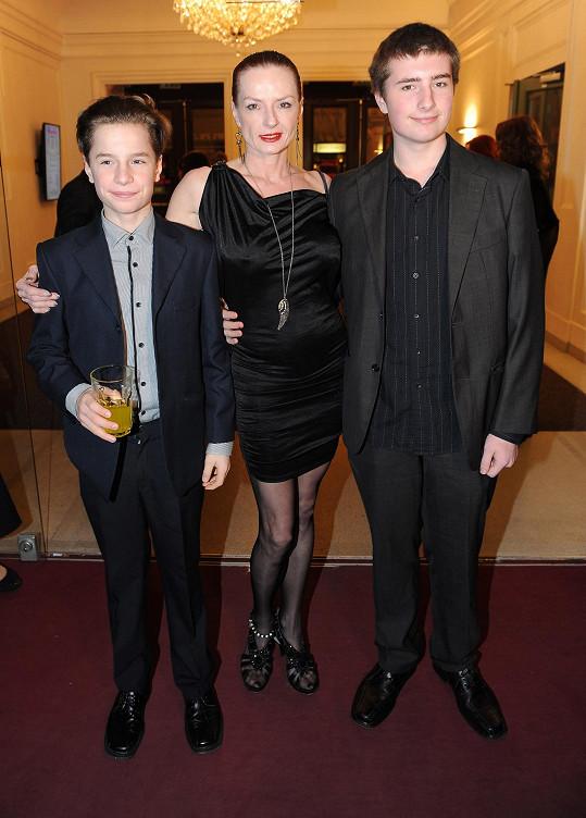 Syny vzala na představení, ke kterému jejich otec vytvořil choreografii.