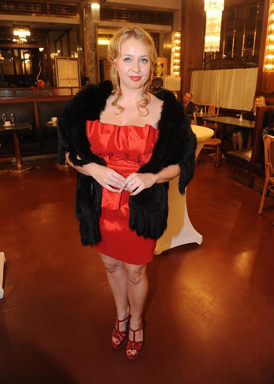 Stejně jako jedna ze sester Mátlových, operní pěvkyně Markéta.