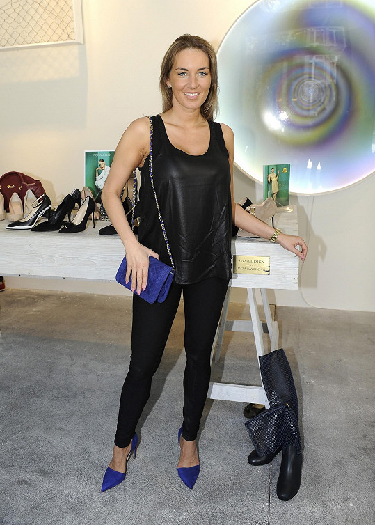 Lucie na otevření butiku s italskou obuví