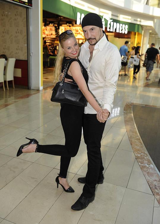 Bohuš Matuš vyrazil s přítelkyní Nikolou do kina.
