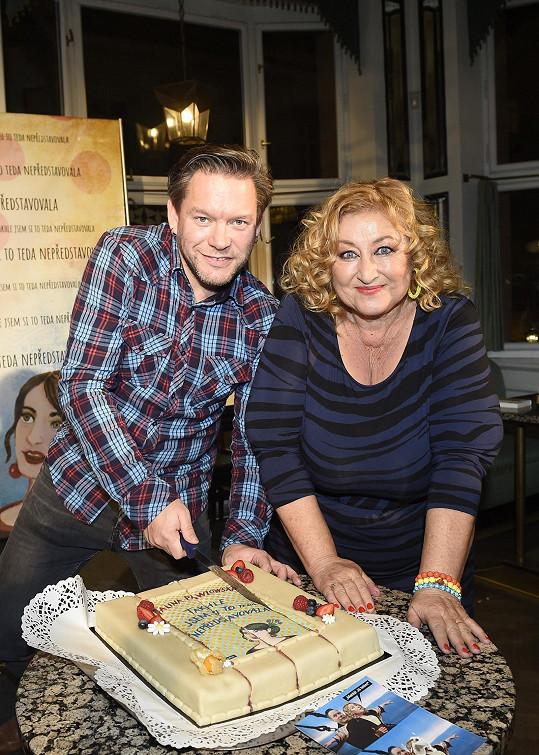 Kmotrem knihy se stal tentokrát zpěvák Matěj Ruppert.