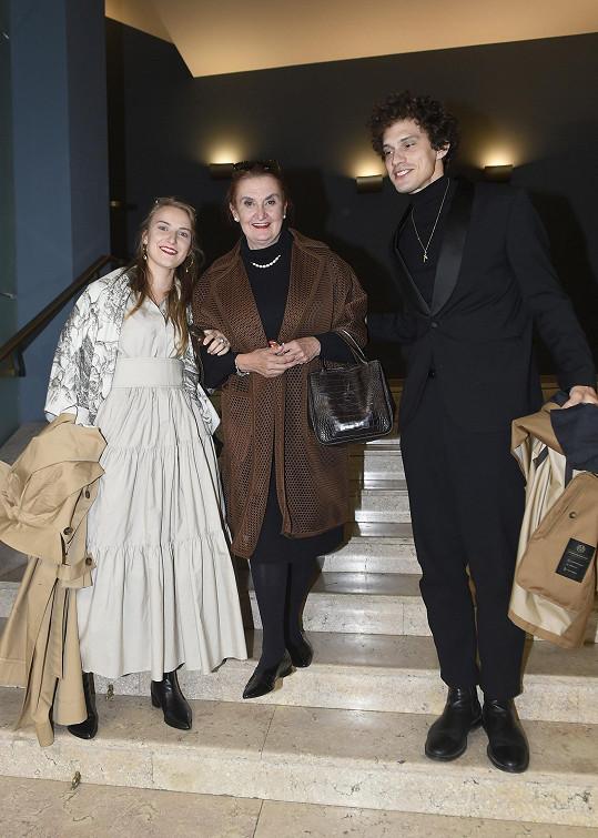 Eva Holubová a její dvojčata Karolína a Adam