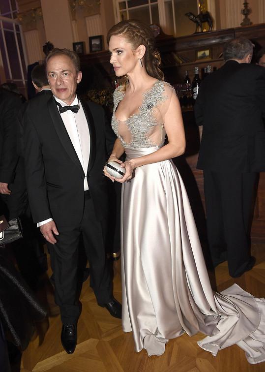 Její půvaby ocenil i syn Pierra Richarda Christophe.