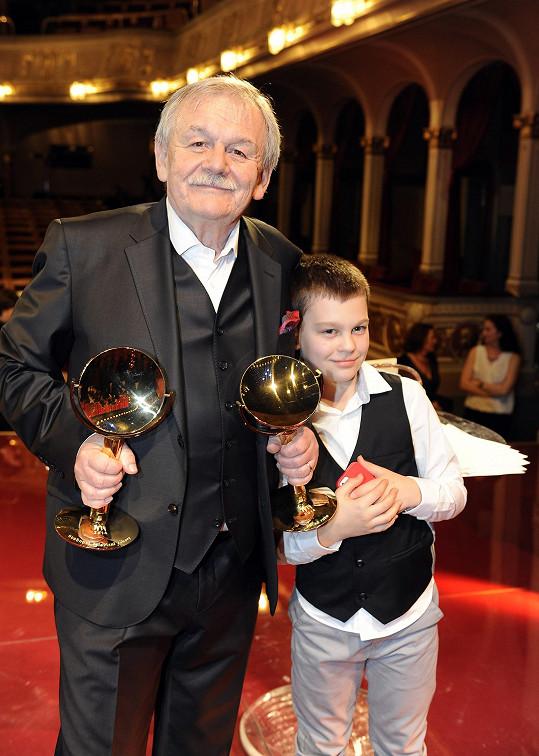Dvě ocenění převzal i moderátor večera Karel Šíp - za pořad Všechnopárty a jako bavič roku.