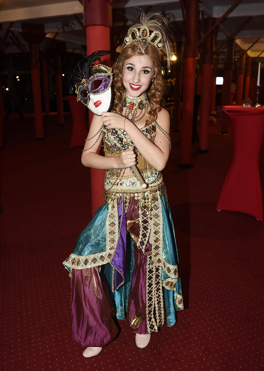Natálie Grossová jako baletka Meg ve Fantomovi opery
