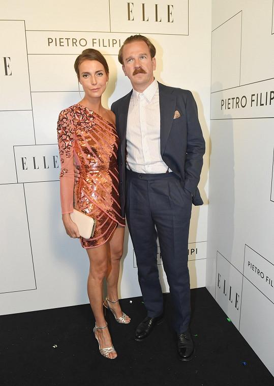 Herec s partnerkou na Elle a Pietro Filipi párty