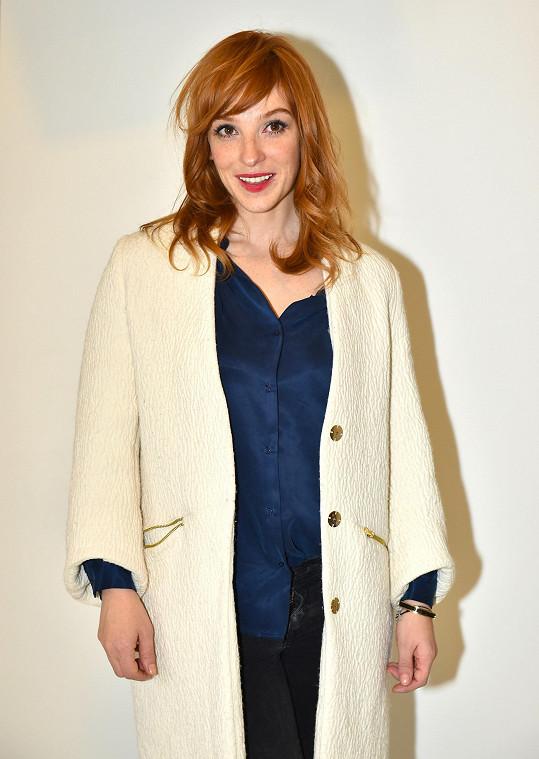 Vica hraje hlavní ženskou roli ve filmu Burácení.