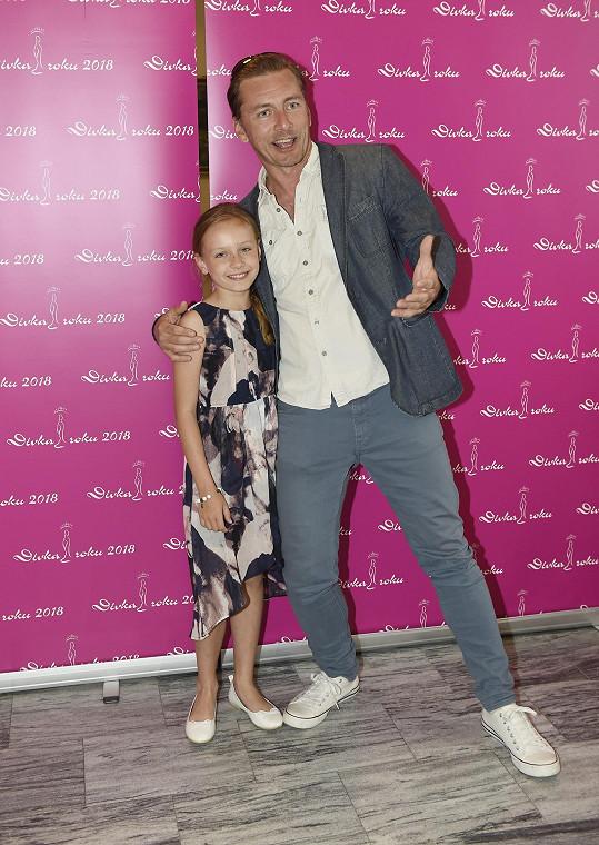 S dcerou Aničkou se nedávno objevil ve společnosti.