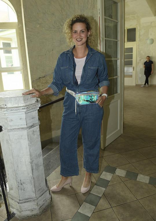 Kateřina Pechová sice teď pracuje v dětské obuvi, ale čas na párty si našla.