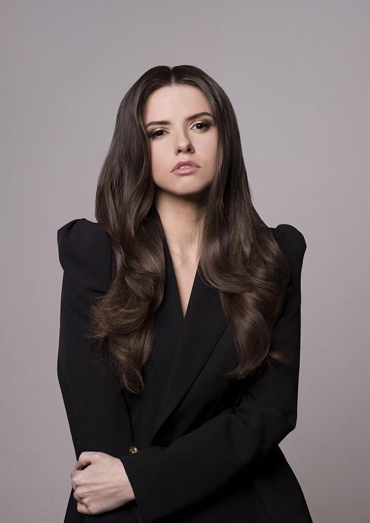Brunetka začala s modelingem už v 16 letech.