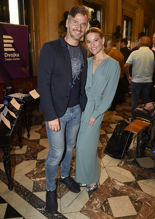 Míša s Lumírem Olšovským, který Evitu, za niž je nominována, režíroval.
