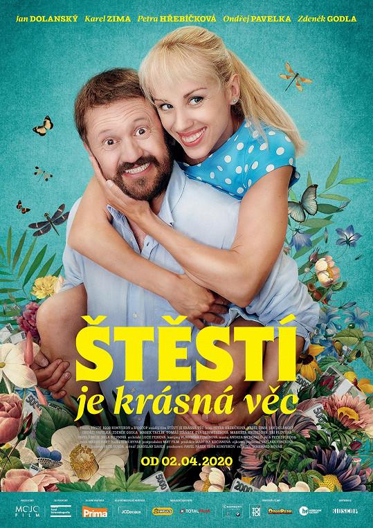 Manžela jí ve filmu Štěstí je krásná věc hraje Karel Zima.