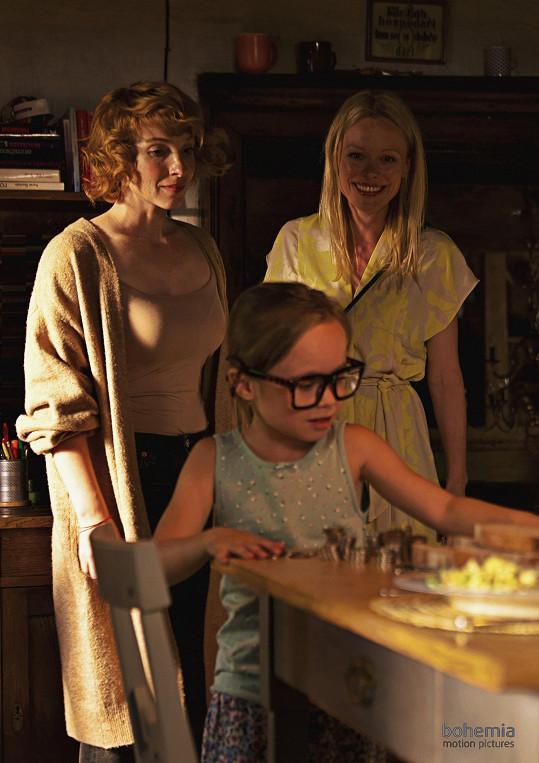 Nově se objeví ve filmu Láska na špičkách, kde má jednu z hlavních rolí.