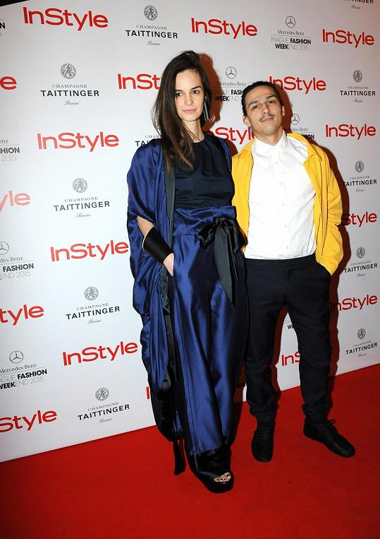Někdejší velká hvězda světového modelingu Kristina Chrasteková, která se nyní věnuje umění, zvolila na párty model od návrháře Mira Sabo.