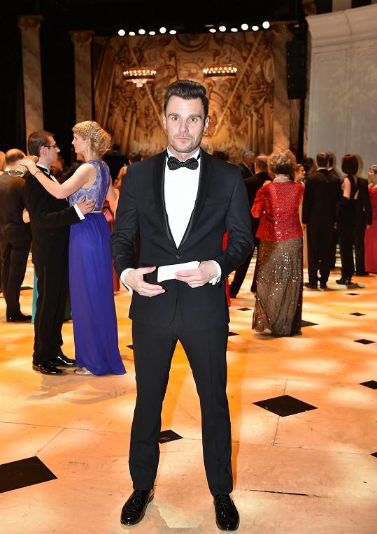 Leoš Mareš poprvé moderoval Ples v Opeře.