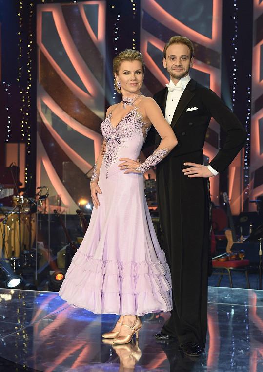 Leona Machálková s tanečním partnerem Michalem Necpálem