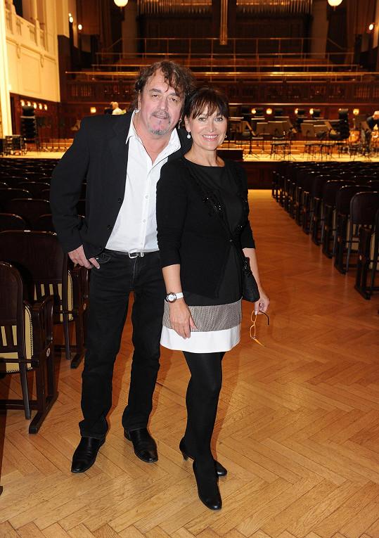 Černocká byla kdysi partnerkou skladatelova syna, na koncert přišla s manželem.