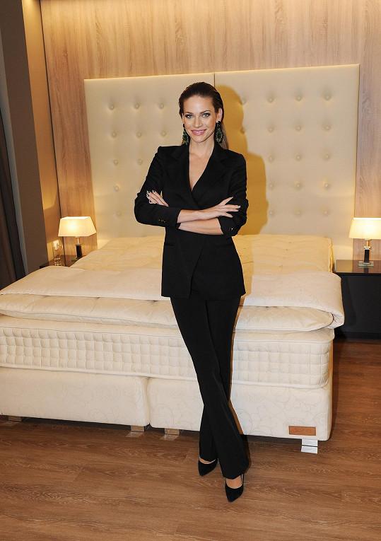S Andreou jsme si povídali na otevření showroomu luxusních postelí.