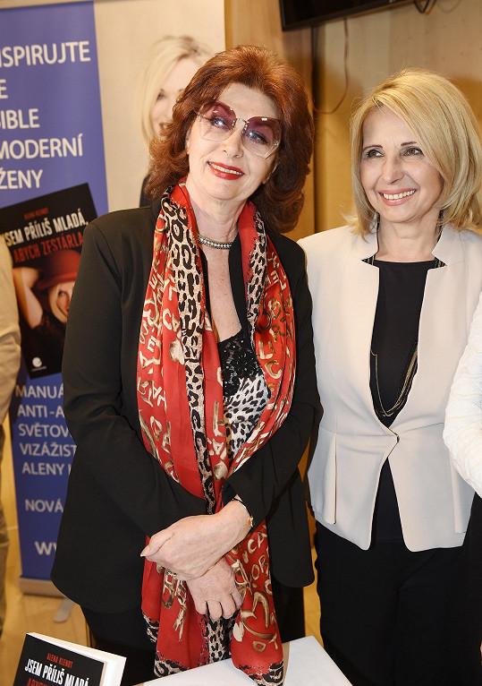Saskia Burešová s kolegyní Stanislavou Lekešovou